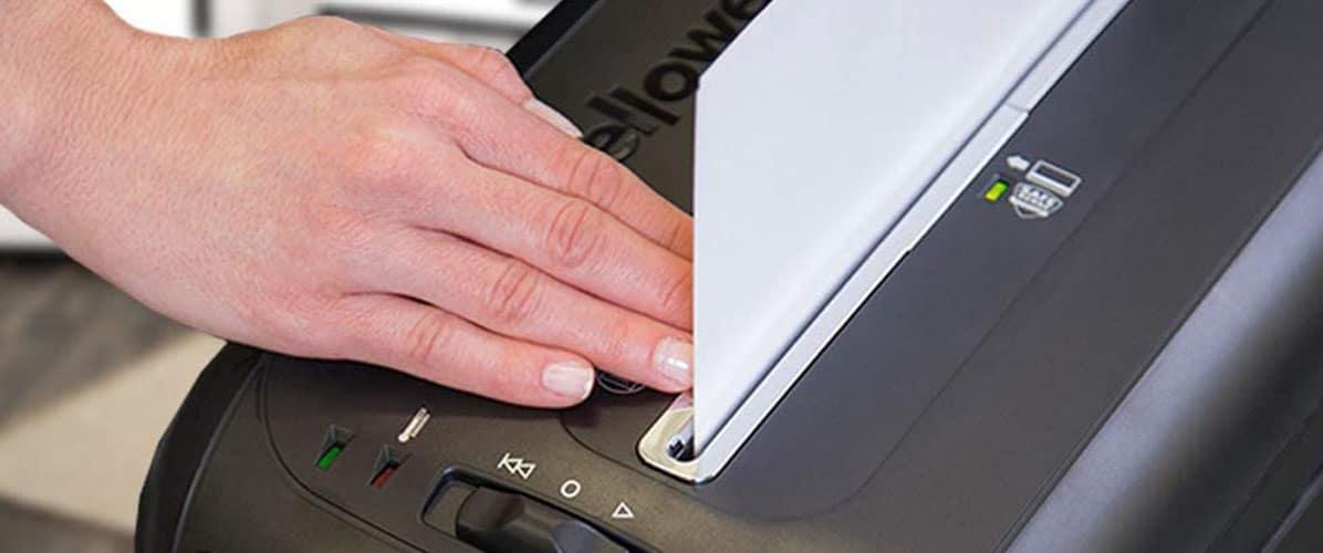 comment utiliser un destructeur de documents ?